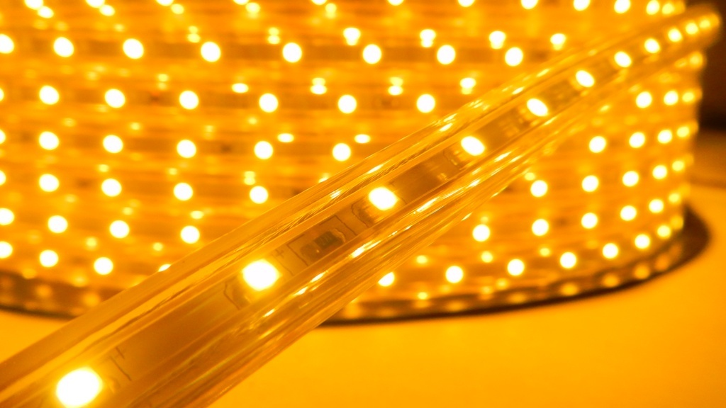 LED páska SMD 3528, teplá bílá, AC220V, 1m, 60 LED/m, IP65
