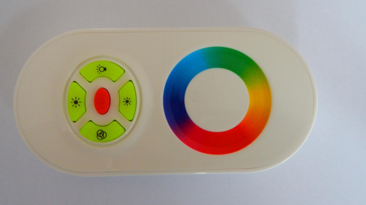 eLite ovladač pro LED svítící pásky, 12-24V, RGB, dotykový