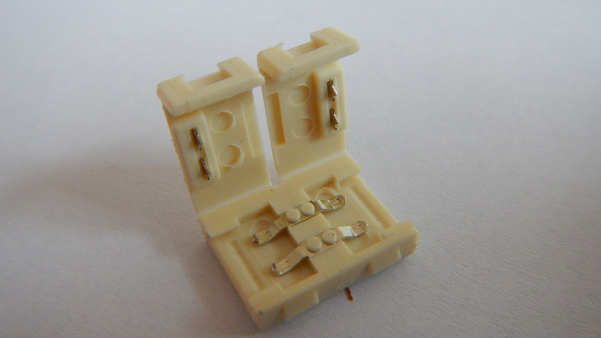 Spojka pro LED světelný pásek, SMD3528, 8 mm